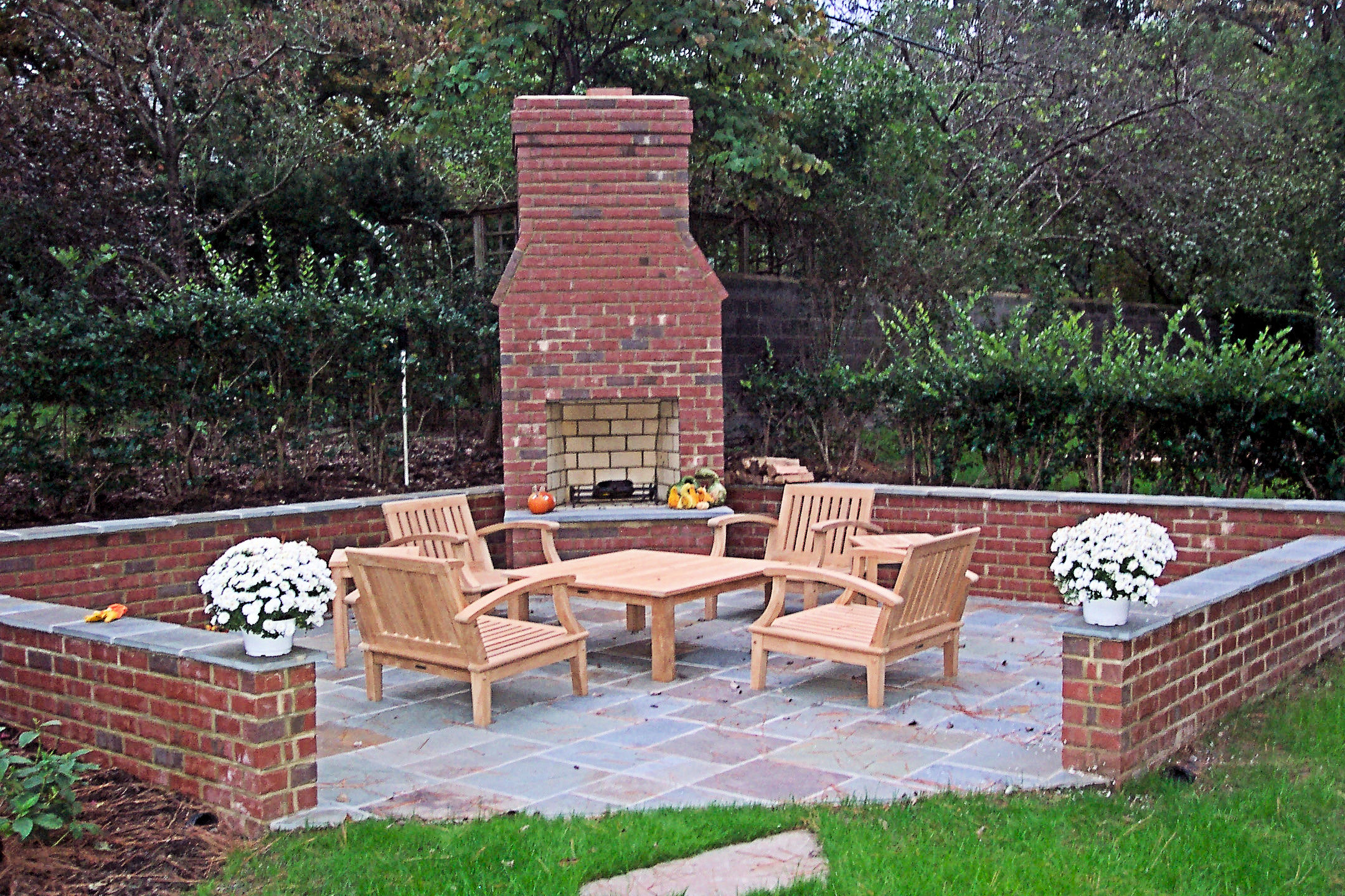 Outdoor Brick Fireplace | Patio Brick Fireplace on Simple Outdoor Brick Fireplace id=18842