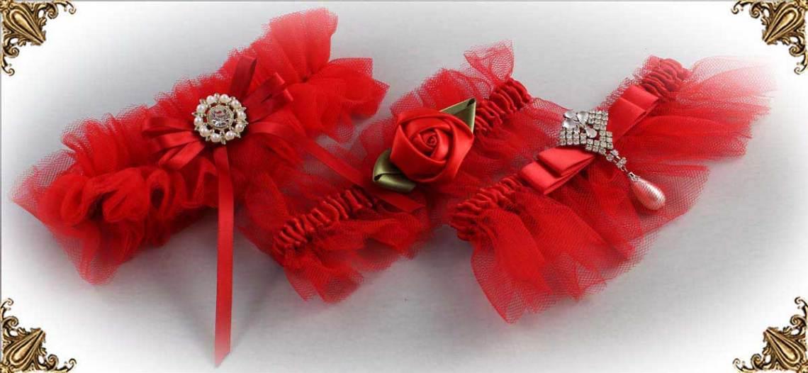 https://customweddinggarter.com/product-category/red-wedding-garters-299