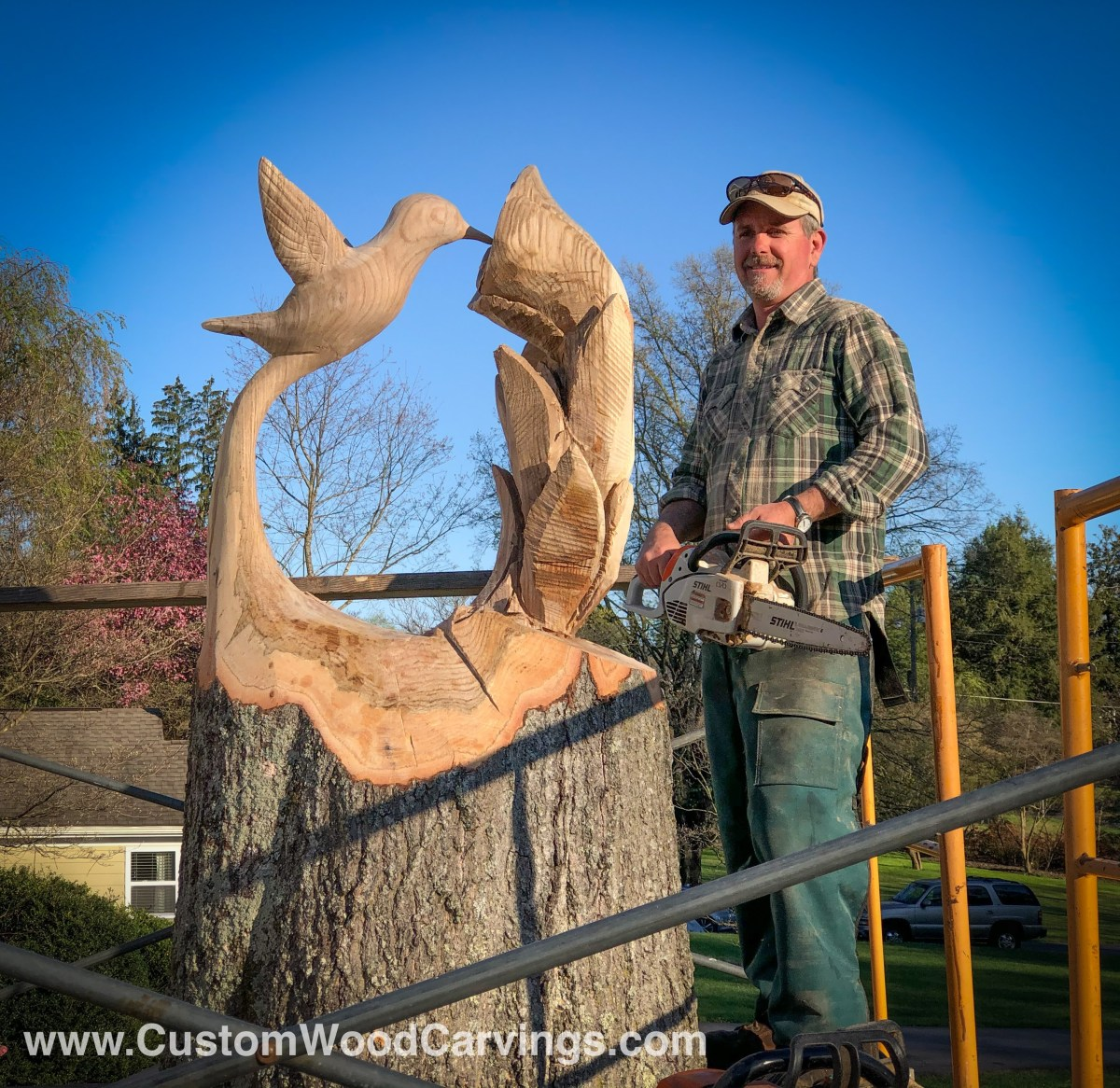 carving, carved hummingbird, custom wood carving, sculptor on location