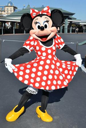 minnie03 min - ミニーマウスの魅力でもあるキュートなかわいい声!!いったい誰が?!