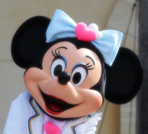 minniedaisuki - ミニーマウスの魅力でもあるキュートなかわいい声!!いったい誰が?!
