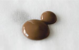 m choco02 min 300x193 - 簡単に作るミッキーシルエットチョコ|クリスマス バレンタイン お誕生日でも大人気