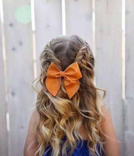 style012 min - 【編み込み攻略】プリンセスヘア、フォーマルヘアには欠かせないヘアアレンジ〜すぐにマスターできる方法とアレンジ例