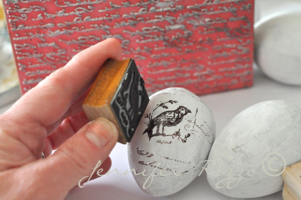 DIY-hand-stamped-eggs