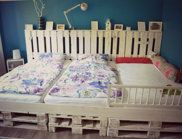 Make Your Own Pallet Bed for Kids