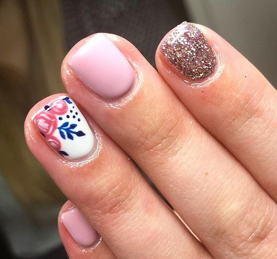 Florals and Glitter Accent Tips