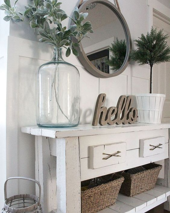 Place Large Vases Against the Tables