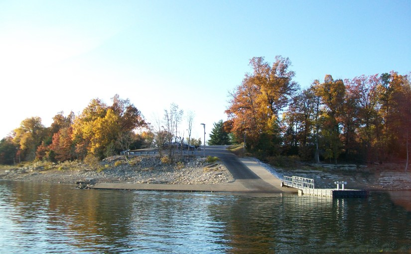 The Boat Ramp At Horseshoe Bend on Beaver lake Is only a minute away from the Vacation Cabin