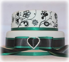 Hand painted embroidery cake