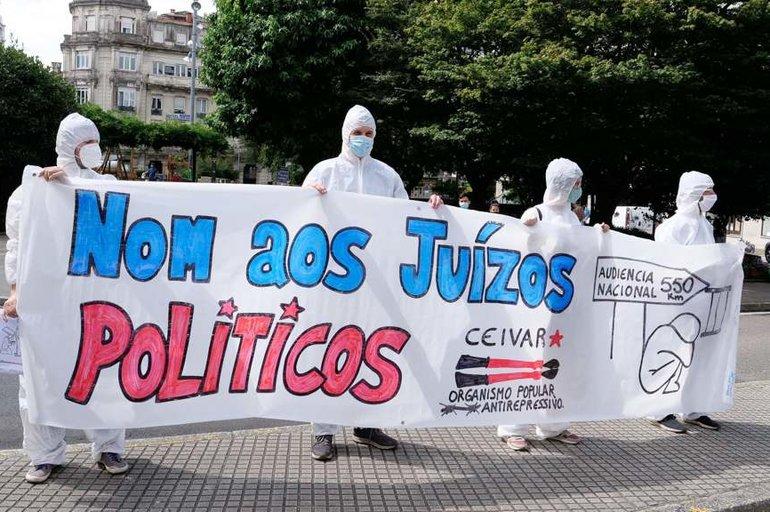 Abonda xa de xuízos políticos: solidariedade coas independentistas encausadas na Operación Jaro