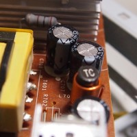 画面にノイズが出て不調になったPCのモニターを直してみた!
