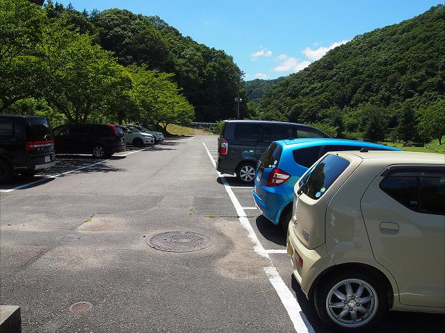 知明湖キャンプ場 駐車場