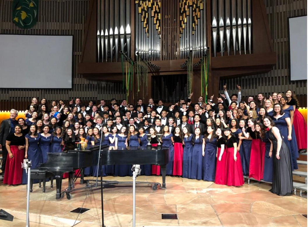 Choir sweeps choral competition to win first in the state