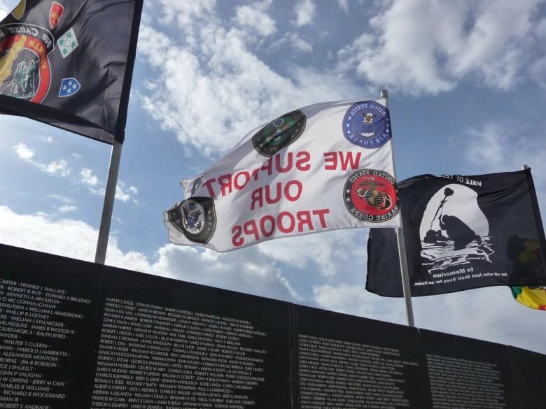 images/Traveling Vietnam Memorial Wall/traveling-vietnam-memorial-wall-2_8496688240_o