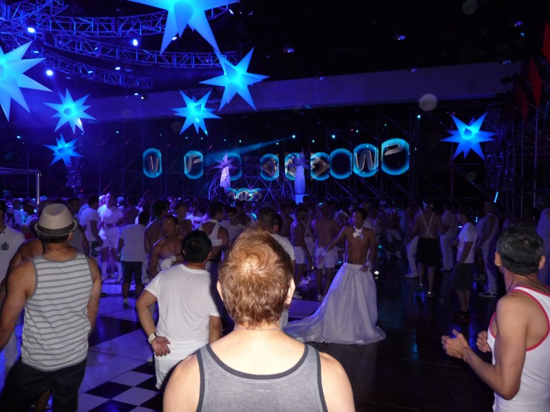 images/White Party 2013/dance-floor_8607183588_o