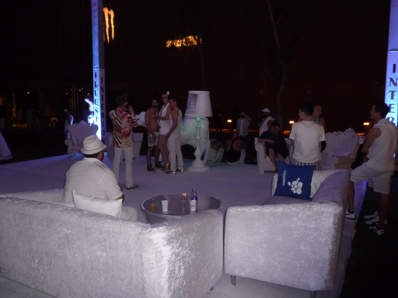 images/White Party 2013/outdoor-lounge_8607181794_o