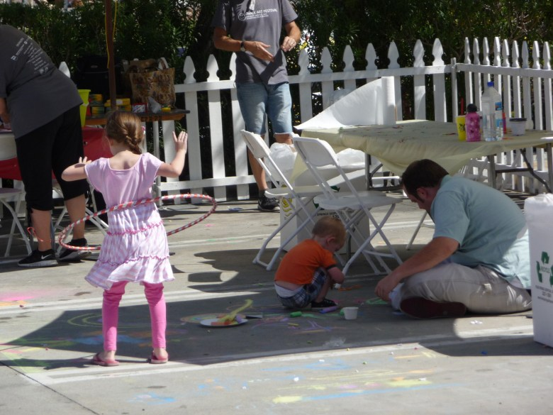 images/Palm Springs Chalk Art Festival 2013/some-are-artists-others-like-to-perform_8562399193_o