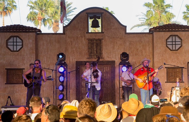 images/Stagecoach 2013 Day 1/old-crow-medicine-show_8685384878_o
