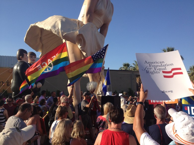 images/Prop 8/DOMA Repeal Rally at Forever Marilyn/june-26-rally-at-forever-marilyn_9149033240_o