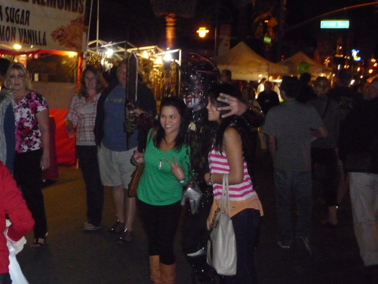 images/Downtown Palm Springs Halloween 2013/say-cheese_10603898916_o