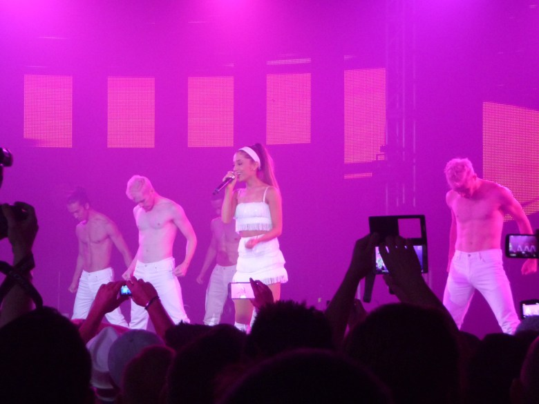 images/White Party 2014/ariana-sings_14057253613_o