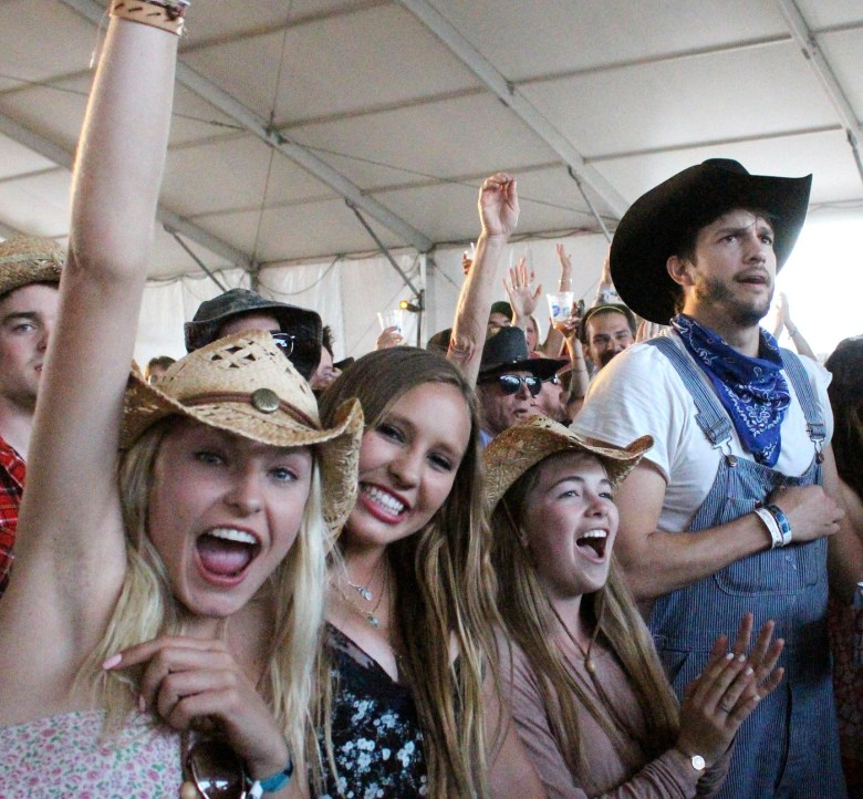 images/Stagecoach 2014 Day 2/ashton-kutcher-joins-the-crowd_14034765882_o