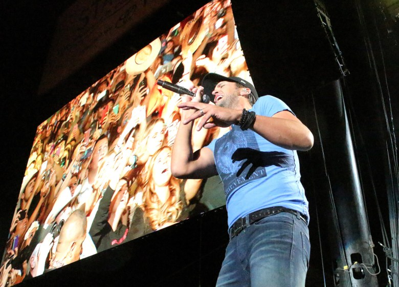 images/Stagecoach 2014 Day 3/luke-bryan-closes-it-out_14030005576_o