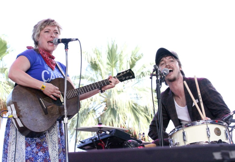 images/Stagecoach 2014 Day 3/shovels-and-rope-sings_14052959965_o