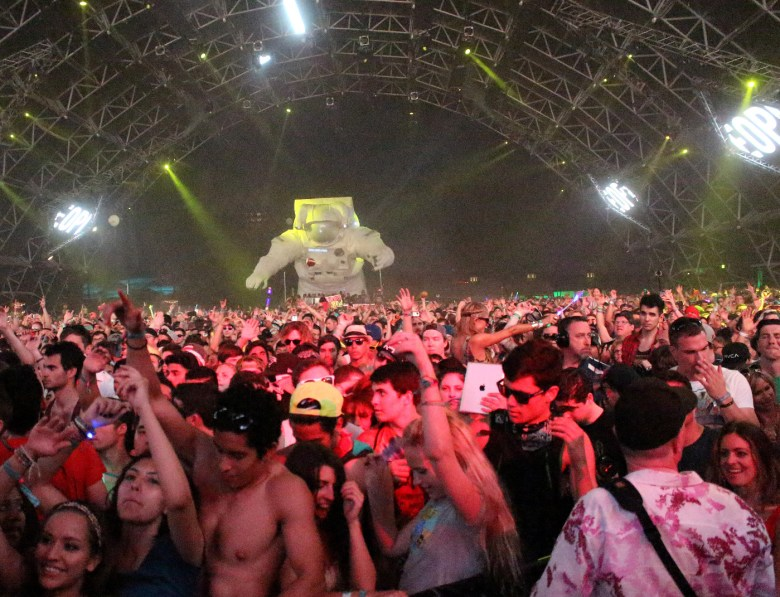 images/Coachella 2014 Weekend 2 Day 2/the-astronaut-enjoys-fatboy-slim_13953786924_o