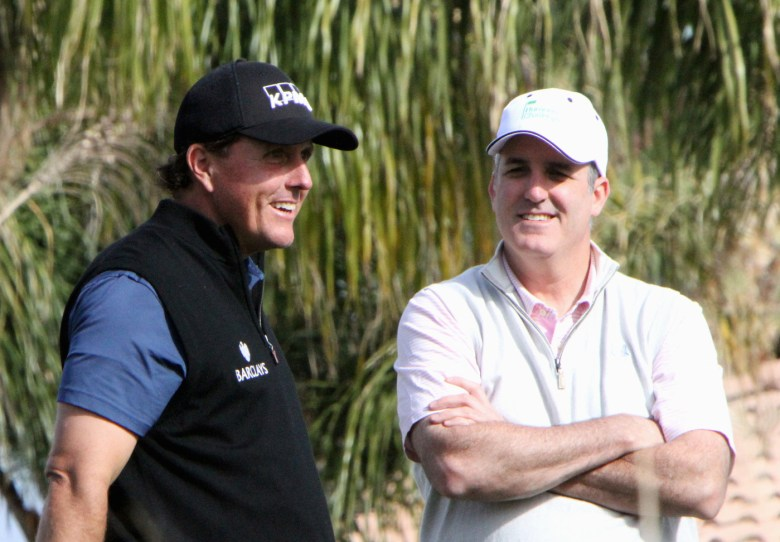 images/2015 Humana Challenge Finale/mickelson-takes-a-break_16381801205_o
