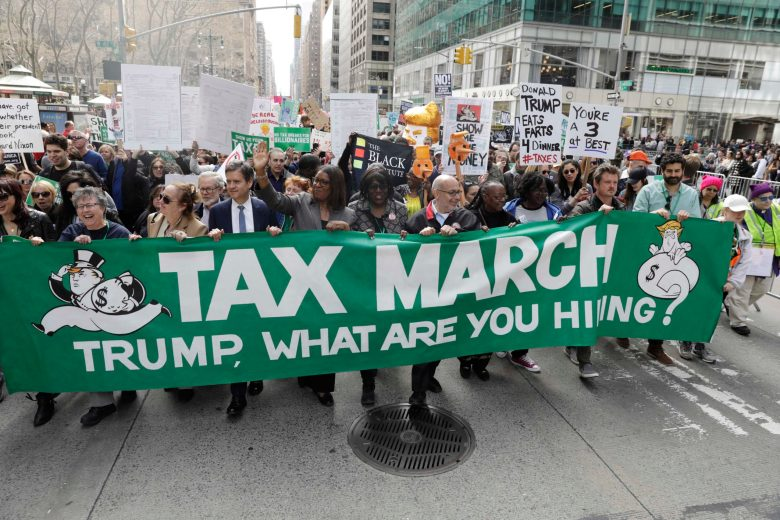 images/Trump Tax Day Rallies 2017/2017-04-15T190926Z_1_LYNXMPED3E0ME_RTROPTP_4_USA-TRUMP-TAXES