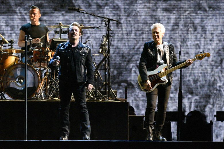 images/U2 at the Rose Bowl/BonoSpeaks