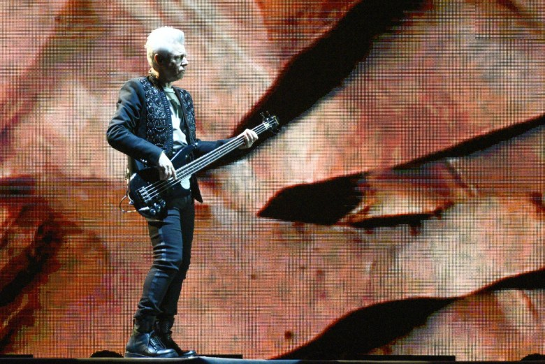 images/U2 at the Rose Bowl/ClaytonandtheWall
