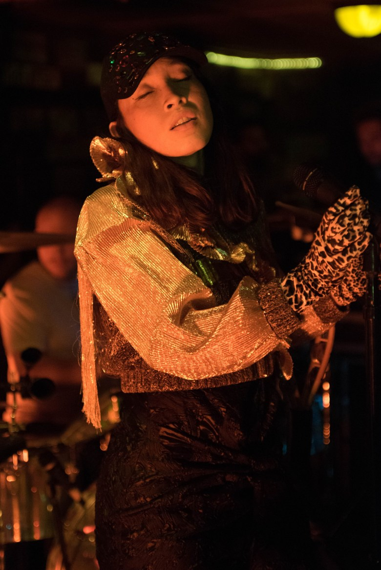 images/Little Dragon at Pappy and Harriets/DSC_5463