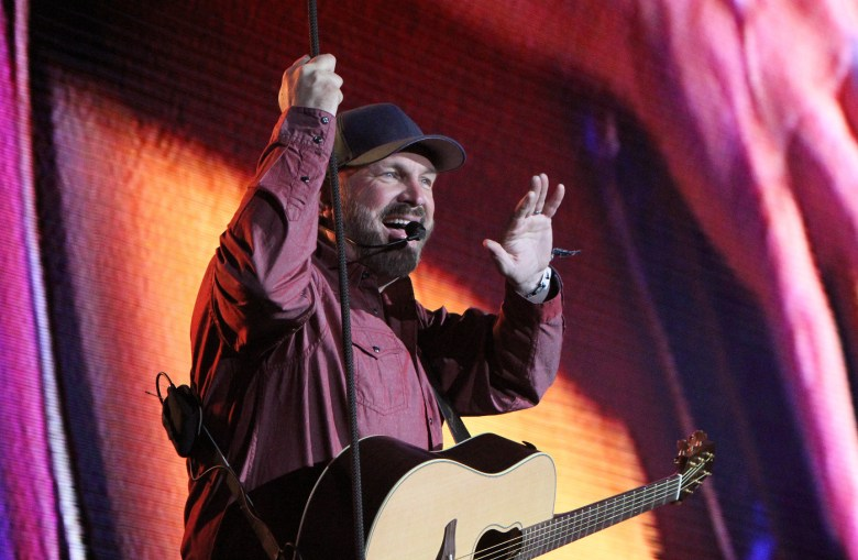 images/Stagecoach 2018 Day 3/Stagecoach2018_D3_Garth.Brooks.3