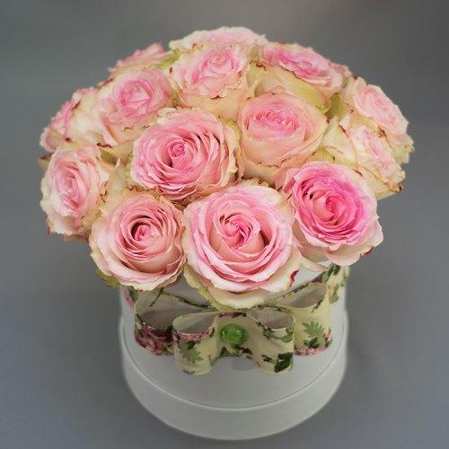 ružičaste-ruže-u-kutiji-flowerbox