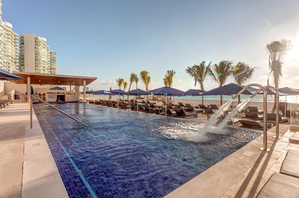 Suites & Club Level   Classic Vacations on Chic By Royalton All Exclusive Resort - All Inclusive  id=54561