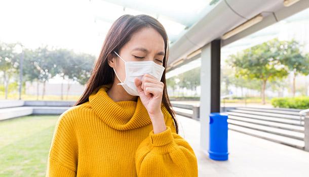 感冒初期喉嚨癢又咳?醫師:不適合吃枇杷膏!|大人社團 - 與你一起實踐美好生活