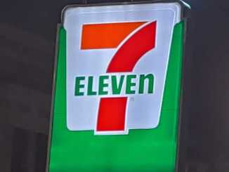 7ELEVEN sign