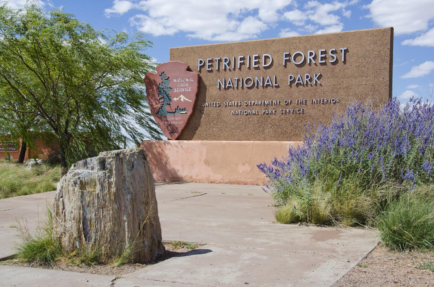 Painted Desert Visitors Center – part of a 23 building complex, the Visitors Center encompasses a self contained community with a gas station, residences, maintenance shop, restaurant, gift shop, restrooms and information center.  Visitors can enjoy park videos and ranger-led tours.