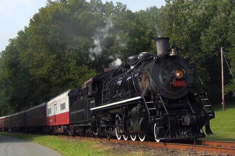 Delaware River steam train on tracks