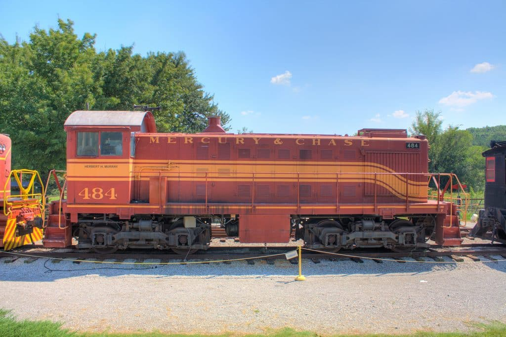 Excursion Trains in Alabama - North Alabama Railroad Diesel Engine