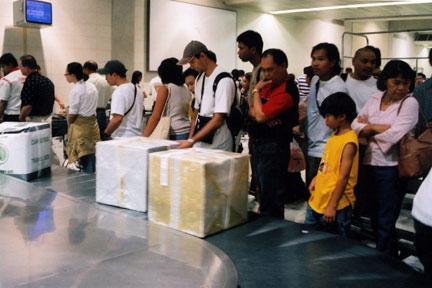 regalos at MNL baggage claim