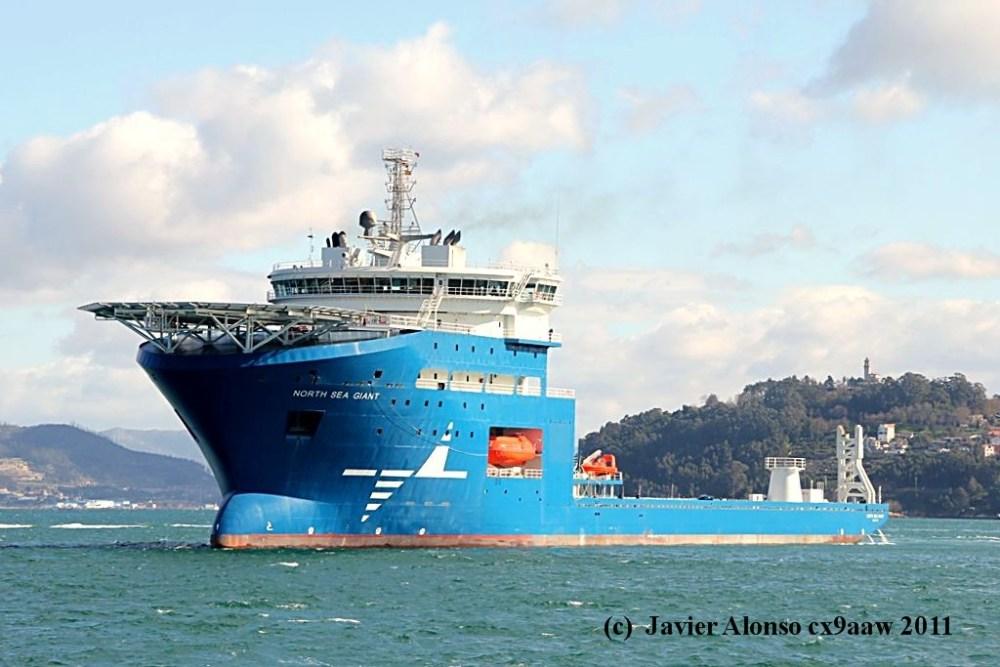 """El buque """"North Sea Giant"""" esta en sus pruebas oficiales por la Ria de Vigo (5/6)"""