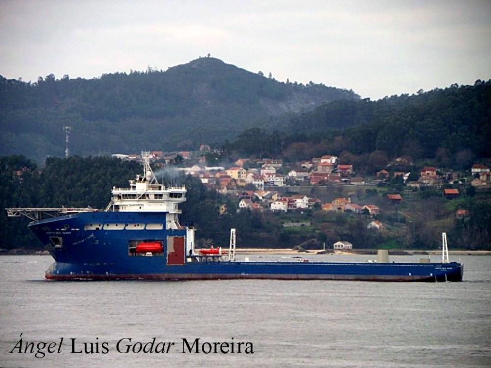 """El buque """"North Sea Giant"""" esta en sus pruebas oficiales por la Ria de Vigo (2/6)"""