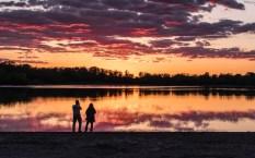 Photagraphers_under_sunset