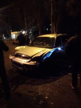 На улице Советской в Луганске, из-за пьяного водителя ...