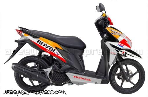 vario-techno-125-pgm-fi-nitric-orange