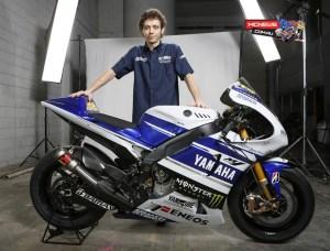 2014_Yamaha_YZR-M1_Rossi_RHS-1024x780