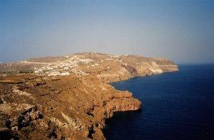 Santorin : vue matinale sur le village d'Akrotiri